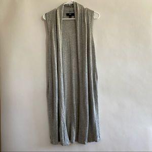 Sleeveless long grey cardigan size m/l